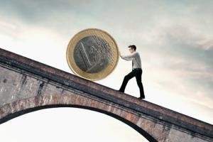 Где купить дешевые евро в России