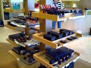 Оформление магазина косметики