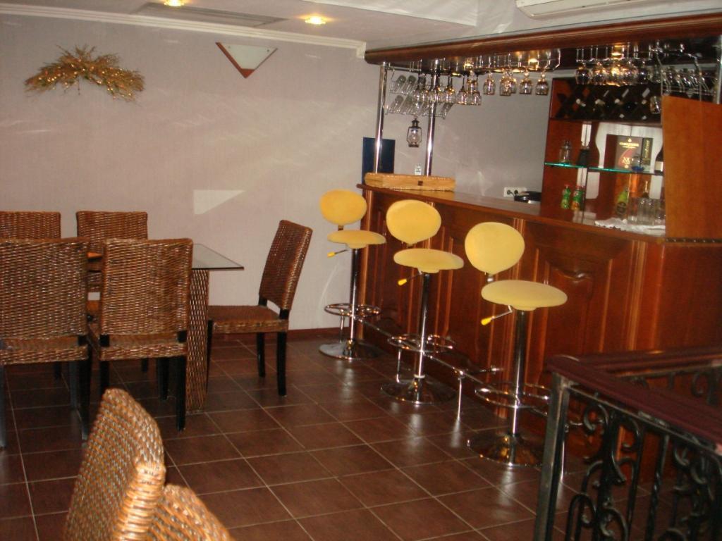 Мини-бар в подвале