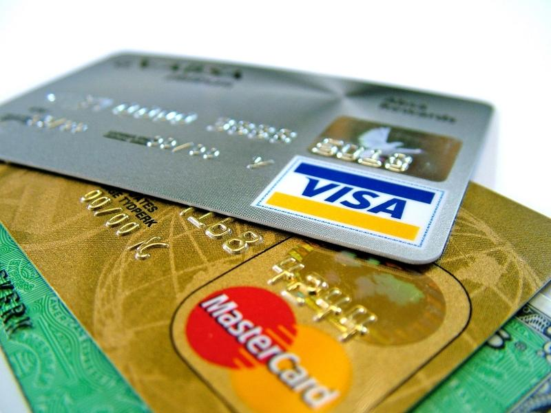 Как закрыть банковскую карту правильно, чтобы не было последствий
