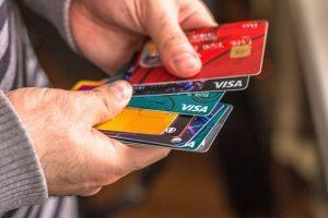 Как снять деньги с кредитной карты без процентов и комиссии - 15 способов